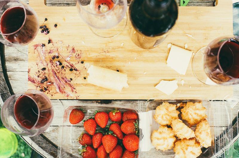 food-drink-kitchen-cutting-board